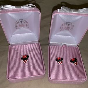 NWT Disney Park Minnie Mouse Earrings Necklace set